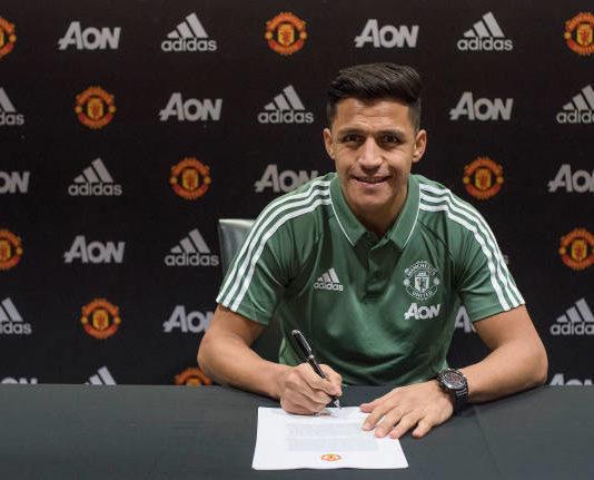 Alexis Sanchez signs for Manchester United